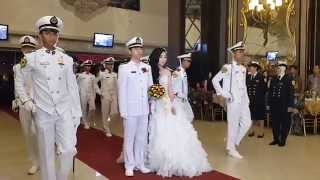 getlinkyoutube.com-Pedang Pora dalam Pernikahan Shelly & Fabio