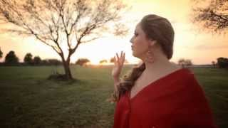 getlinkyoutube.com-Alejandra Orozco - A chillar a otra parte - Video oficial