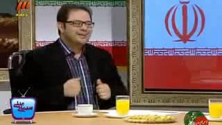 مجری تو برنامه زنده فکر میکنه میکروفونش خاموشه به برهانی میگه : آرش کو*نش میخاریده رفته استقلال !