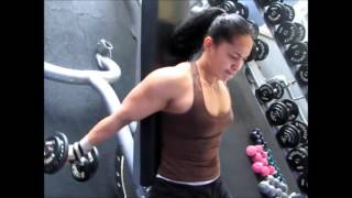 getlinkyoutube.com-Best Indonesian Female Bodybuilder Gym Workouts