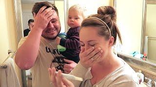 getlinkyoutube.com-PREGNANCY TEST REACTION!