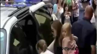 The Best Moments 2011 of Jolie-Pitt Family - Britney Spears, Shakira e Beyoncé