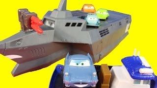 getlinkyoutube.com-Disney Pixar Cars 2 Action Agents With Mater Finn McMissile Lemons Spy Train