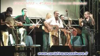 CARIATI Tarantella di Cataldo Perri al 4° Raduno chitarra battente 2-9-2011