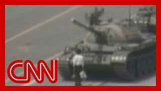 getlinkyoutube.com-1989 Raw Video: Man vs. Chinese tank Tiananmen square