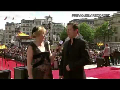 The Harry Potter premiere red carpet event Weasley Brothers Video