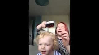getlinkyoutube.com-Hair Straightening Brush Demo