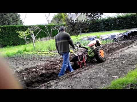 MOTOCULTOR AGRIA 7714-B ARANDO.