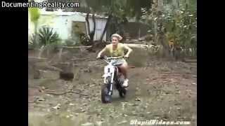 getlinkyoutube.com-Idiotas Pilotando motos