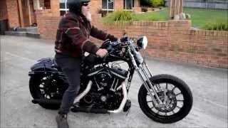 getlinkyoutube.com-Harley Davidson Sportster IRON 883 Springer start up and take off!