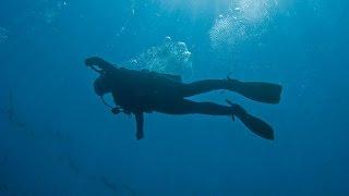 getlinkyoutube.com-Diver Records His Own Death as He Sinks to The Ocean Floor