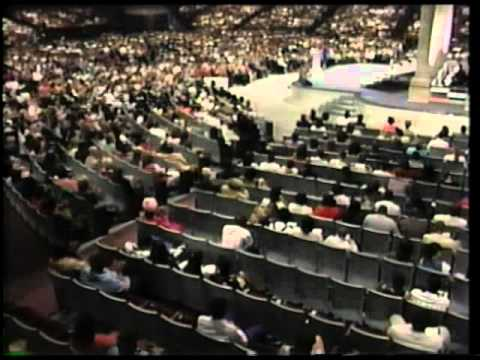 John Osteen -Prayer That moves the Holy Ghost to action (Full Service)