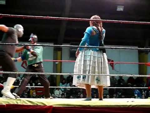 2010-12-05-Bolivia-HzF-P1570671-Cholitas wrestling-Part 3 of 4-two against two-La Paz.mp4