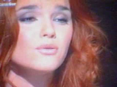 Videos Related To 'melody Ruiz- Besos De Cristal'