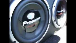 getlinkyoutube.com-Par de Pioneer 308 D2 + Explosound 3600 Caixa 50Ltr - Carro Sedan / Siena 08 /