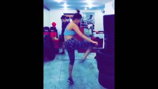 getlinkyoutube.com-Urvashi Rautela Workout In Gym Video