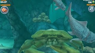 getlinkyoutube.com-Hungry Shark Evolution Big Daddy (Dunkleosteus) Defeating Giant Yellow Crab