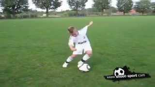 getlinkyoutube.com-طفل يمتلك مهارات كريستيانو رونالدو