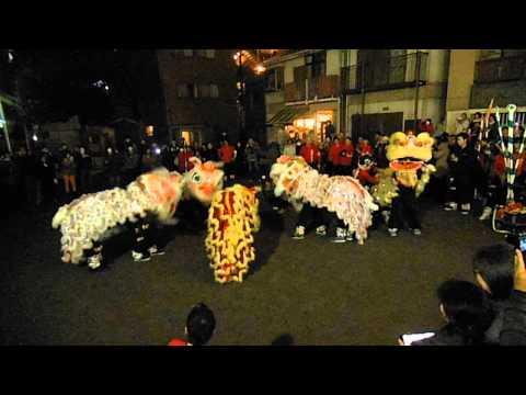 中華街の旧正月の爆竹と獅子舞2015 ※音量注意
