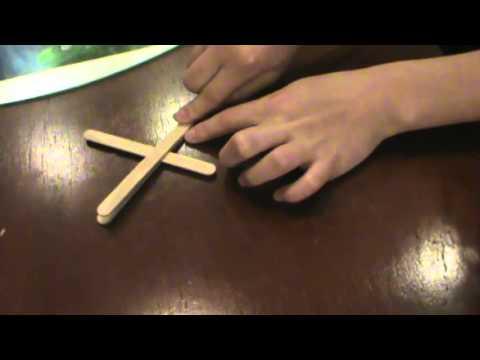 Como fazer uma arminha de palito de sorvete que atira elástico