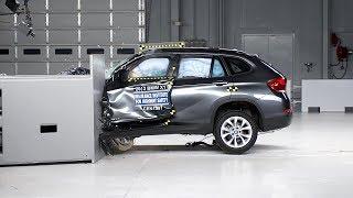 getlinkyoutube.com-2013 BMW X1 small overlap IIHS crash test