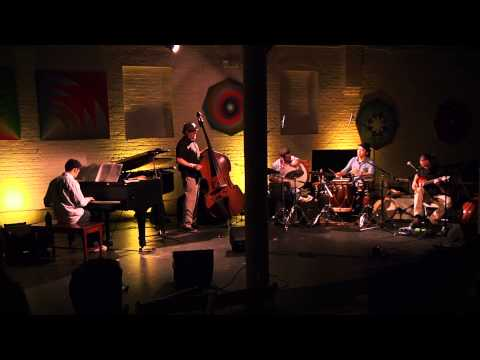 Jussi Reijonen: un - Kaiku feat. Keita Ogawa (Live in New York) Recorded and filmed live at ShapeShifter Lab, Brooklyn NY on October 30 2013.