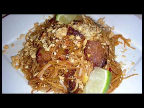 Pork Pad Thai - Delicious Thai Food Recipe with BBQ Pork