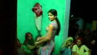 getlinkyoutube.com-Desi dance