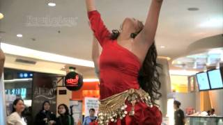 getlinkyoutube.com-Yuk, Intip Goyang Belly Dance Pinkan Mambo