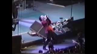 getlinkyoutube.com-U2 - Bad / All I Want Is You - ZooTv - Paris - 07.05.1992
