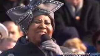 getlinkyoutube.com-Barack Obama Inauguration - Aretha Franklin - Sings 'America' My Country Tis Of Thee Jan 20, 2009