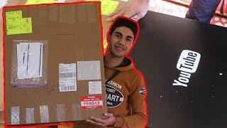 getlinkyoutube.com-فتح صندوق درع المليون مشترك - أول درع يوتيوب ذهبي يدخل فلسطين !