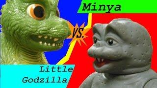 getlinkyoutube.com-Minya vs. Little Godzilla (stop motion figure battle)