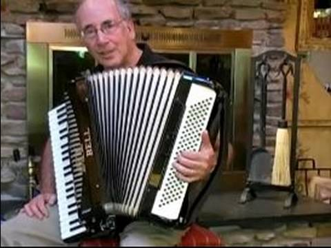 Playing Accordion Music : The Stradella Buttons on the Accordion