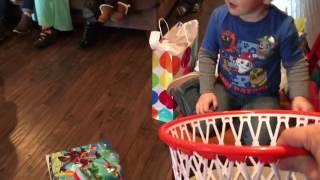 getlinkyoutube.com-Will's 4th birthday - opening presents