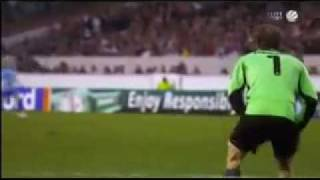 getlinkyoutube.com-Jens Lehmann pissing during the game
