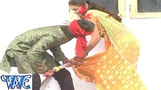 getlinkyoutube.com-Gatre Gatar लहंगा भीतर रंग डललS  - Bahe Faguni Bayar - Geeta Rani - Bhojpuri Hot Holi Songs 2015 HD