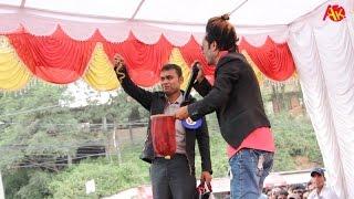 getlinkyoutube.com-Jadugar Great Performance   जादुगरको जादु    ठाउँको ठाउँ गायव गर्दिन्छन्, रुमाललाई पेन्टी बनाउँछन्