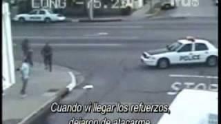 getlinkyoutube.com-PANDILLEROS AGREDEN A POLICIA EN VIVO