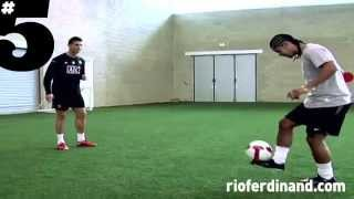 getlinkyoutube.com-NEYMAR,RONHALDINHO Y CR7 FREESTYLE