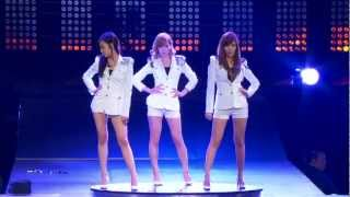 SNSD - GENIE (REMIX Ver.) @ Live in Madison Square Garden
