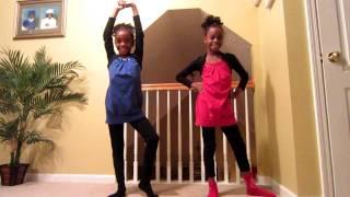"getlinkyoutube.com-Twins dancing to ""Love On Top"""