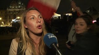 Fiesta entre las pirámides del Louvre por la victoria de Emmanuel Macron
