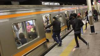 getlinkyoutube.com-舞浜駅 駅メロ「When your heart makes a wish イントロ 0.4コーラス」