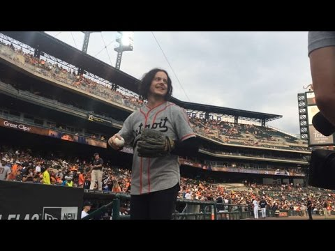 Jack White tosses first pitch in Detroit