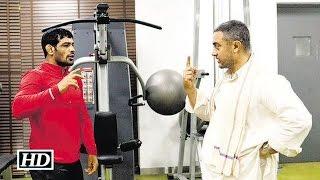Dangal: Aamir Khan learns wrestling from Sushil Kumar