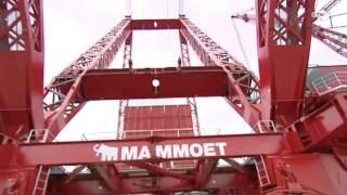 getlinkyoutube.com-Mammoet bouwt grootste kranen ter wereld