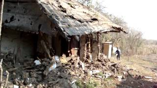 getlinkyoutube.com-Rezistenta unei case de paianta din cucuruzu.