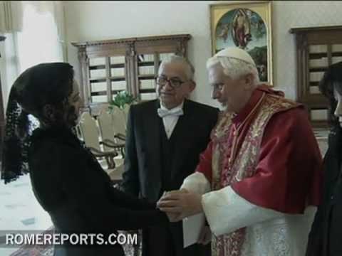 Pope meets new Ecuadorian ambassador Luis Dositeo Latorre Tapia