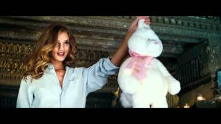 getlinkyoutube.com-Rosie Huntington opening scene Transformers 3 [1080p]
